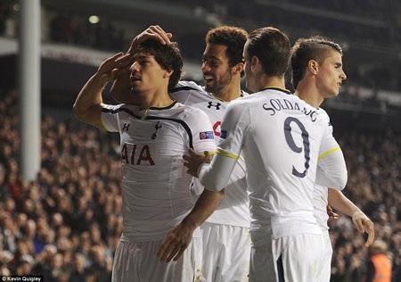 Tottenham hoàn tất mục tiêu đi tiếp