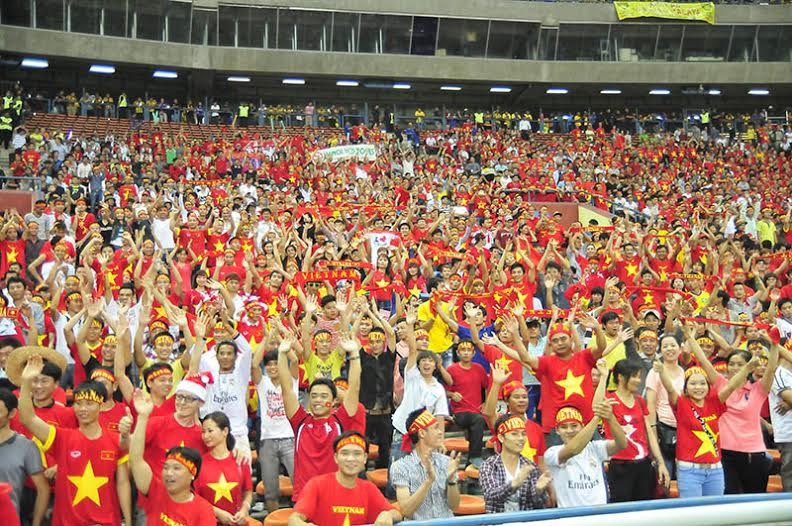 Rất đông các CĐV Việt Nam đã có mặt trên sân Shah Alam