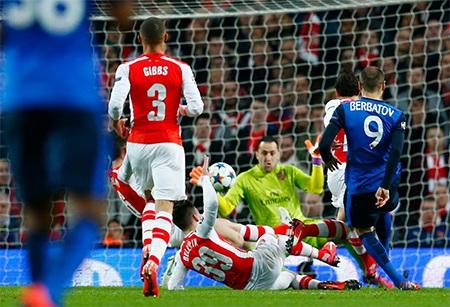 Arsenal thua đau đớn 1-3 trước Monaco tại Emirates