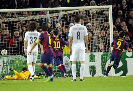 Luis Suarez ấn định thắng lợi 3-1 cho Barca