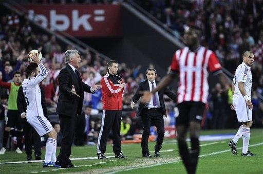 HLV Ancelotti bất lực trong việc đưa Real trở lại quỹ đạo chiến thắng