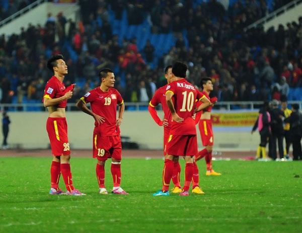 Cầu thủ Việt Nam bức xúc vì bị nghi ngờ bán độ