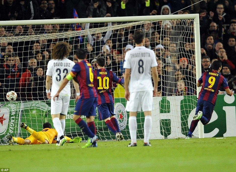 Luis Suarez ấn định chiến thắng 3-1 cho Barcelona