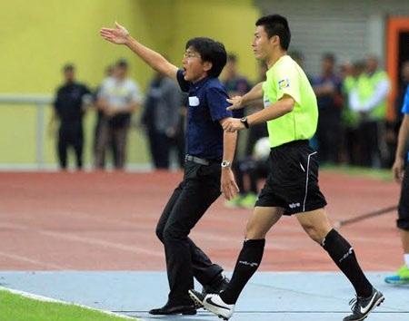 HLV Miura tiếp tục thể hiện được tài cầm quân của mình - Ảnh: Gia Hưng