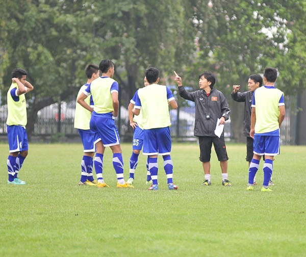 HLV Miura và các học trò đã sẵn sàng cho vòng loại U23 châu Á
