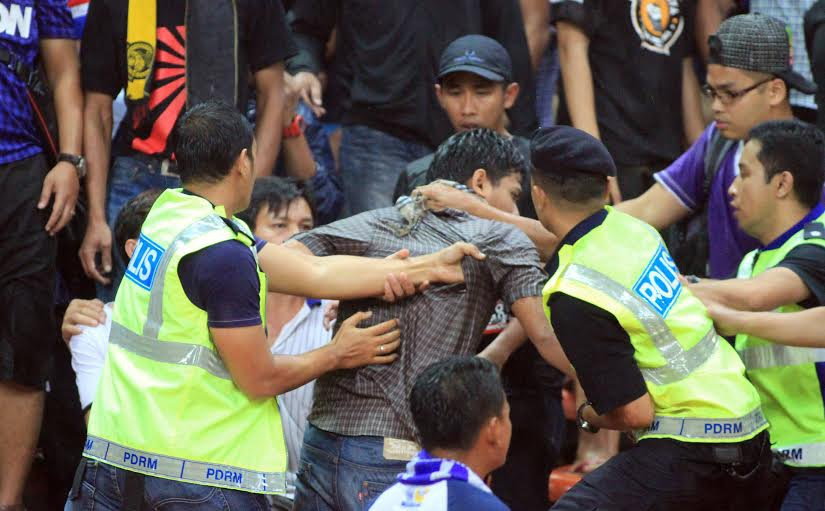 Ít nhất 5 CĐV quá khích Malaysia đã bị bắt