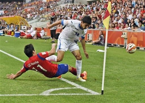 Hàn Quốc giành vé vào bán kết nhờ hai bàn thắng trong hiệp phụ