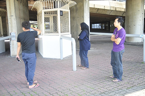 Quầy vé ở sân Shah Alam vắng vẻ, khác hẳn Mỹ Đình