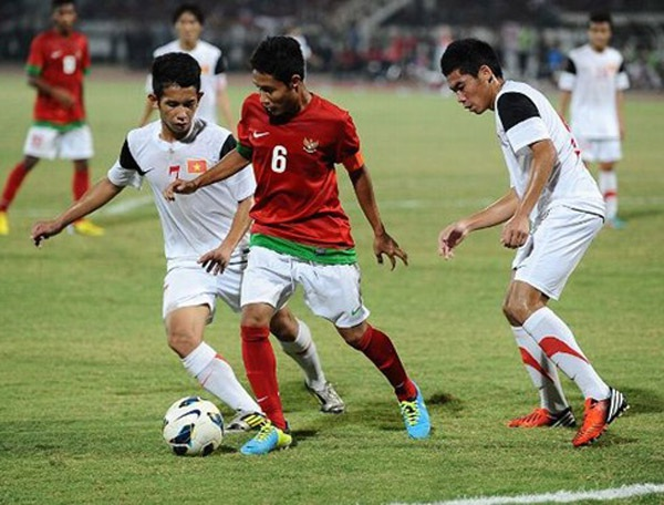 Olympic Indonesia là đối thủ vừa miếng với thầy trò HLV Miura