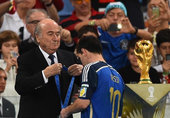 Messi không giấu được vẻ cay đắng khi Argentina thua Đức ở chung kết World Cup 2014
