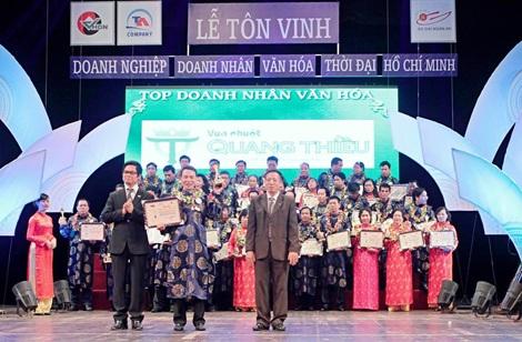 Ông Trần Quang Thiều trong lễ tôn vinh Doanh nhân văn hóa.