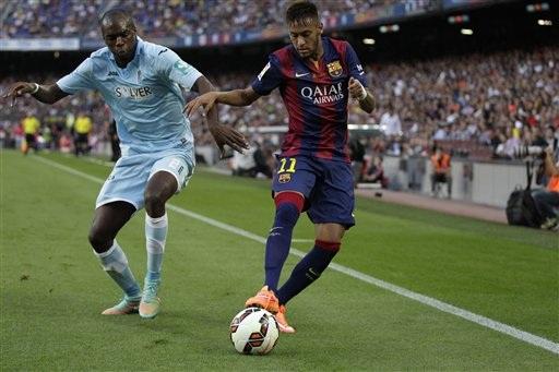 Neymar tỏa sáng với cú hattrick vào lưới Granada ở lượt đi