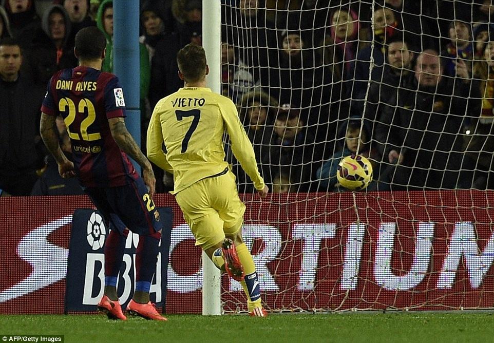Villarreal không dễ dàng nhận thất bại khi đối diện Barcelona