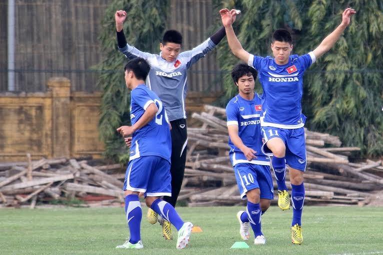 Cầu thủ Olympic Việt Nam cần thích nghi với những bài tập mới - Ảnh: Gia Hưng