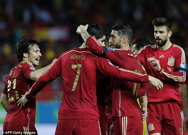 Tây Ban Nha giành 3 điểm nhọc nhằn tại Sevilla