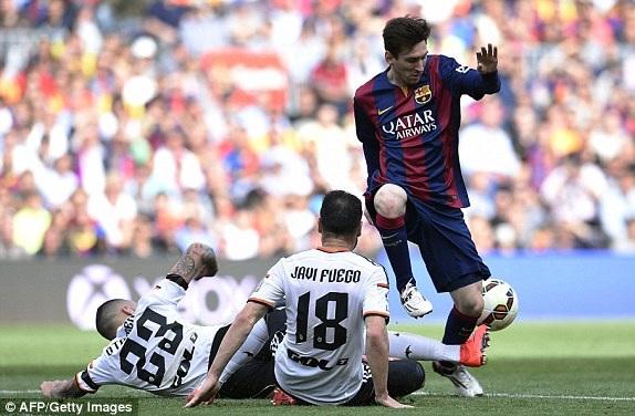 Messi đã có bàn thắng thứ 400 cho Barca ở trận gặp Valencia