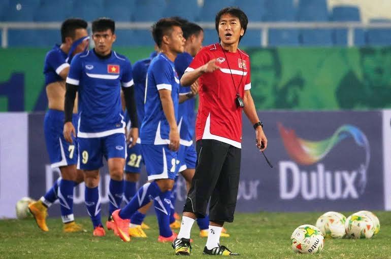 HLV Miura sẽ phải rất vất vả với công việc ở U23 Việt Nam và tuyển Việt Nam