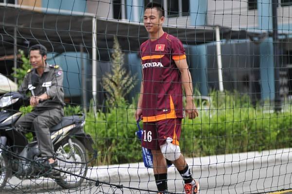 Xuân Thành chia tay đội tuyển Việt Nam vì chấn thương