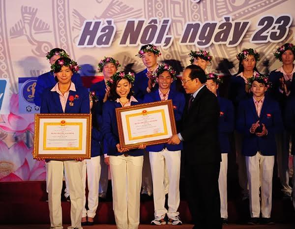 Ánh Viên được trao tặng Huân chương Lao động hạng Nhì