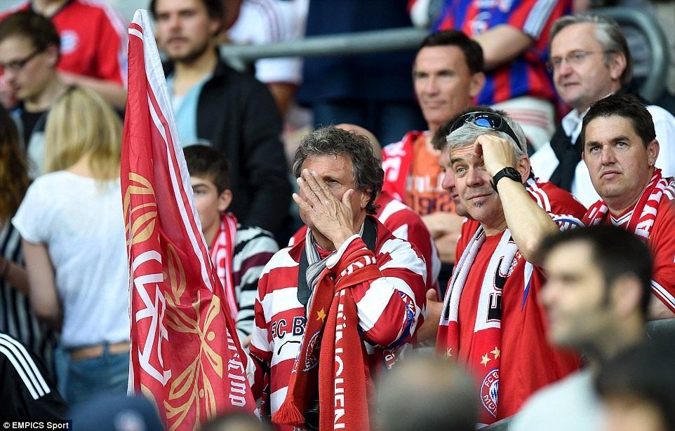 Các CĐV Bayern Munich vẫn mong đợi vào một điều kỳ diệu