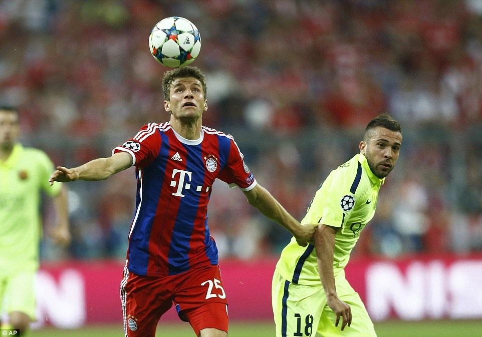 Muller đã chơi xông xáo trong suốt trận đấu