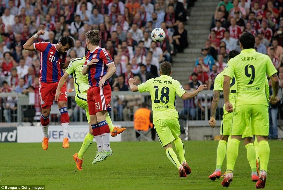 Trước đó, Benatia đã mở tỷ số cho Bayern từ phút thứ 7