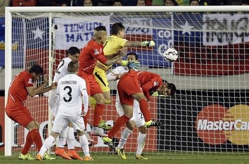 Peru vào bán kết nhờ đánh bại Bolivia