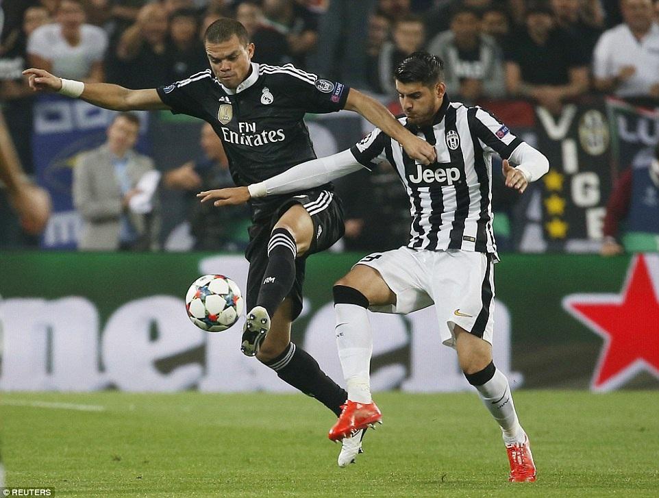 Pepe chơi khá năng nổ trong vai trò tiền vệ trung tâm