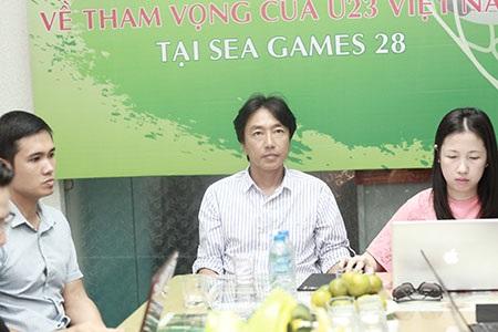 HLV Miura tin tưởng vào sự phát triển lâu dài của bóng đá Việt Nam