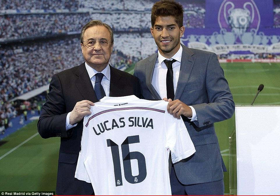 Sau Odegaard, Real Madrid cũng đã chiêu mộ thành công tân binh Lucas Silva