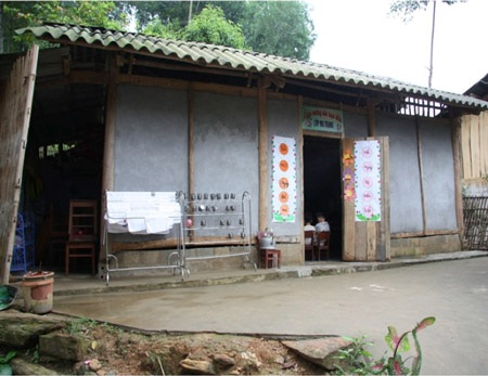 Lớp học tạm còn nhiều thiếu thốn của trẻ mầm non ở Điện Quan, Bảo Yên, Lào Cai
