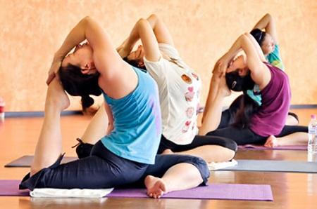Khi tập Yoga nên tìm hiểu thật kỹ, tránh những nguy cơ xảy ra.