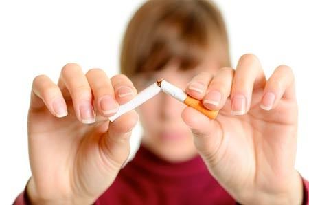 Để bỏ thuốc lá, thanh niên nên bắt đầu vận động