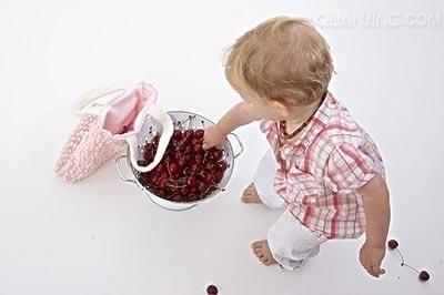 Không cho trẻ ăn quà vặt
