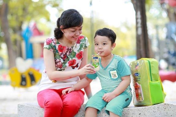 Hãy cho bé nguồn dinh dưỡng liên tục cho trí não để bé có thể học hỏi mọi lúc mọi nơi