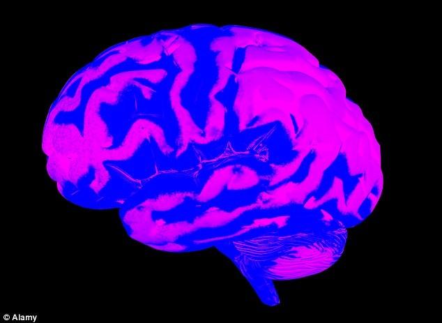 Bệnh nhân Kulkamp đang chơi đàn guitar trong khi mổ não