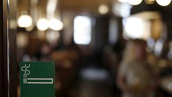 Vì sao ban hành lệnh cấm hút thuốc ở nơi công cộng?