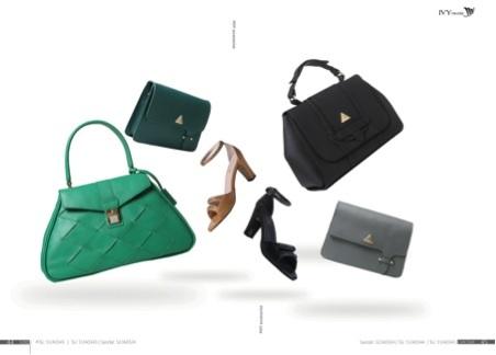 Crazy Sale giảm giá 50% toàn bộ sản phẩm bao gồm phụ kiện giày, túi.