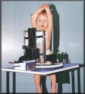 Thật ra đây chỉ là thiết bị y tế dùng để chụp X-quang cho trẻ em