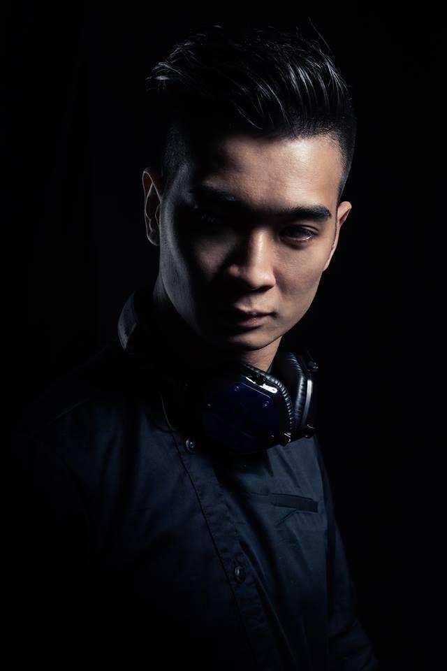 DJ đẹp trai tài năng SlimV