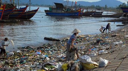 Ô nhiễm môi trường  gây tổn hại nghiêm trọng đời sống người dân