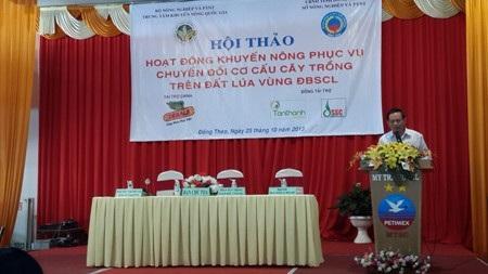 Ông Phan Huy Thông, Giám đốc TTKNQG phát biểu tại hội thảo