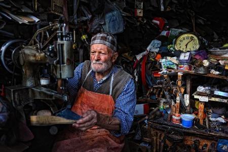 Tiệm sửa giầy - Bulent Suberk (Thổ Nhĩ Kỳ)