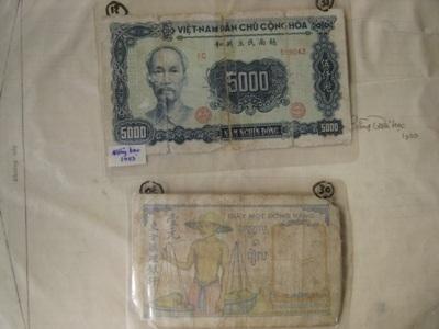 Một số loại tiền cũ ông Khánh sưu tập