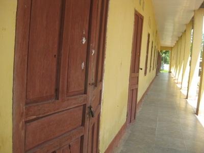 Các phòng học như đang trong thời gian nghỉ hè.