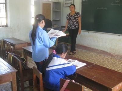 Các thầy cô vẫn quyết tâm bám lớp, bám trường dù chỉ 1 học sinh đi học.
