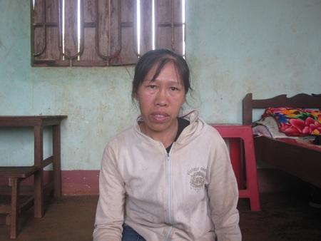 Khuôn mặt hằn lên nỗi đau của chị Thao sau 3 một mình nuôi con đi kêu oan cho chồng