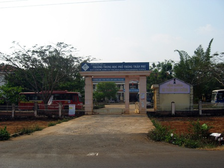 Trường THPT Trần Phú (xã Thăng Hưng, Chư Prông, Gia Lai) -nơi xảy ra sự việc.
