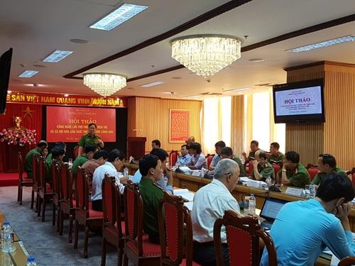Hội thảo về thẻ căn cước công dân do Tổng cục Cảnh sát, Bộ Công an tổ chức hôm qua tại Hà Nội (Ảnh: T.S)