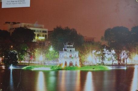Tháp rùa Hồ Gươm - tác giả: Nguyễn Ngọc Hiếu